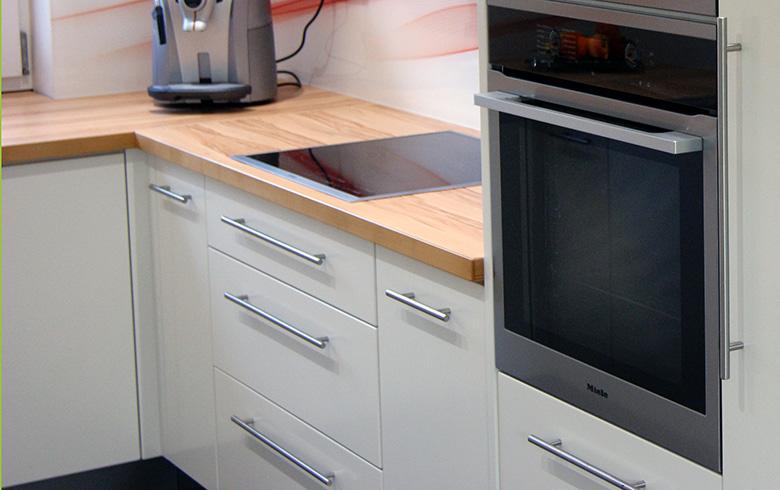 einbauk che backofen tische f r die k che. Black Bedroom Furniture Sets. Home Design Ideas