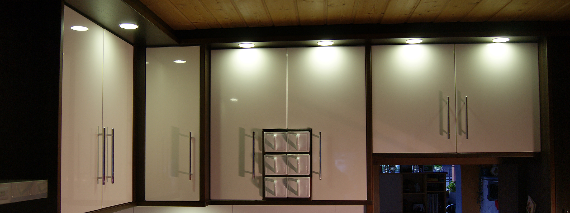 Schreinerei Holzmann Buchloe - Maß gefertigte Küchen Möbel Innenausbau